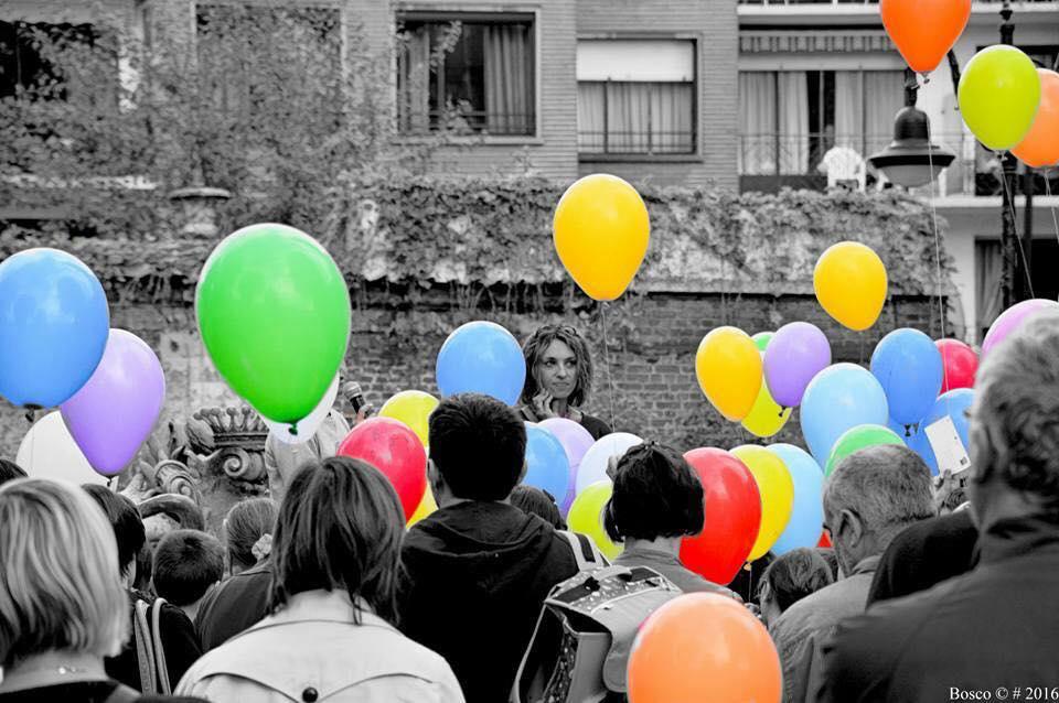 Un lâcher de ballons pour dire un amour éternel à Louis