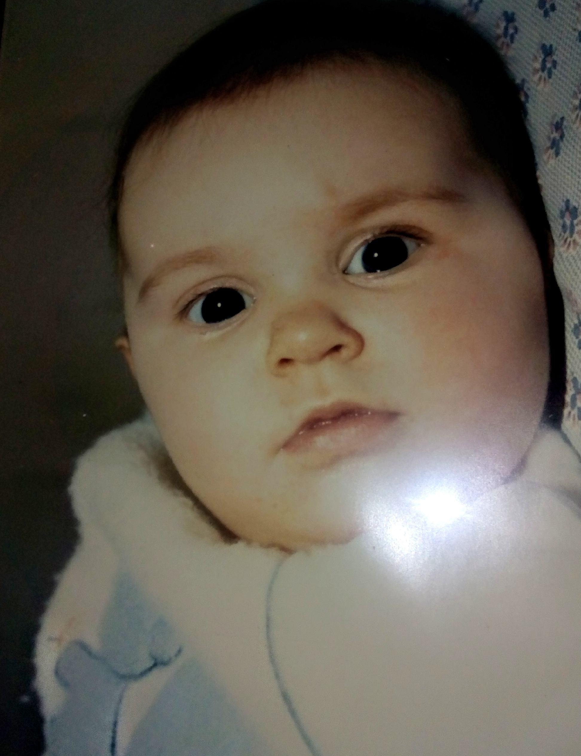 Emilie, 20 avril 1986 - 8 avril 1987