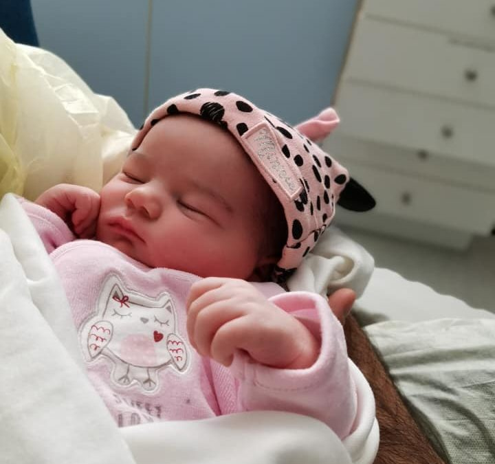 Victoria, bébé arc-en-ciel